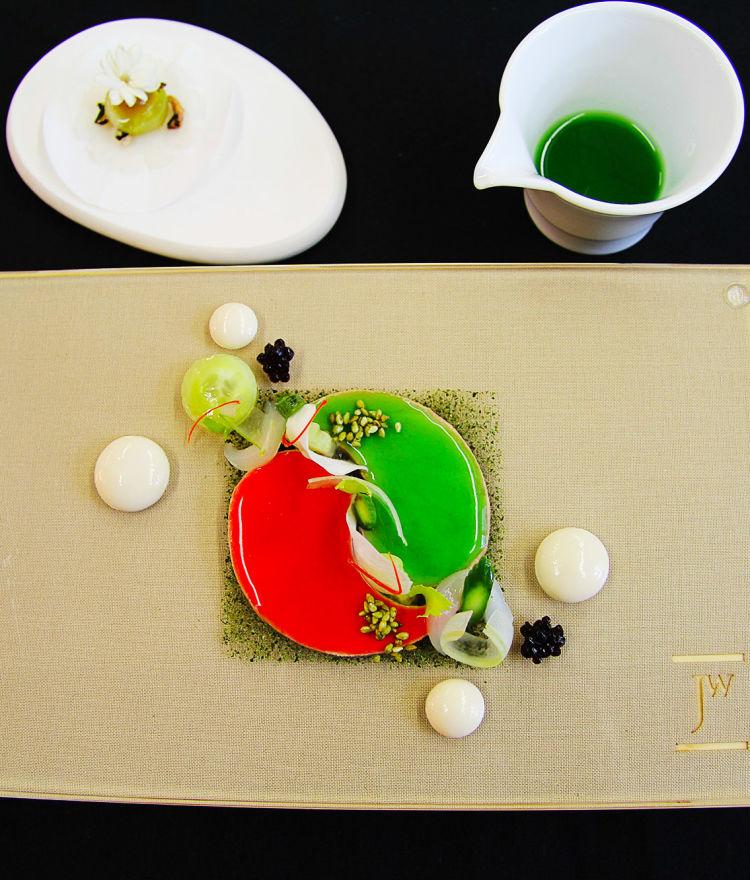 Yin & Yang / Gänseleber / Miso gebeizt / Grüner & Roter Apfel / Lychee
